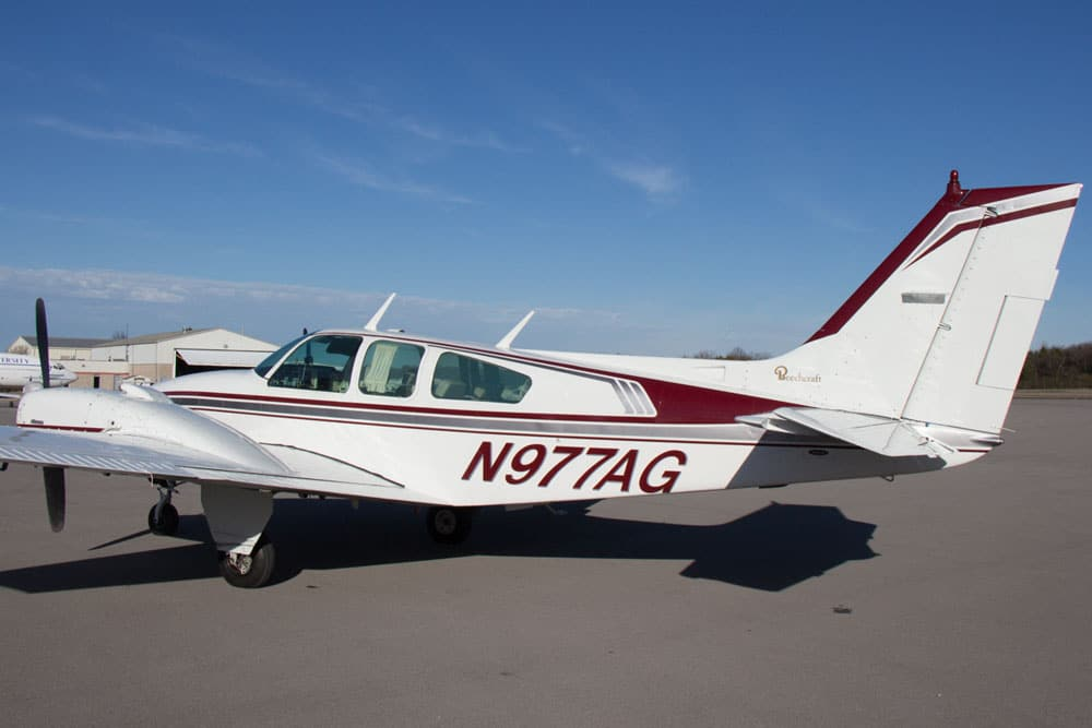 Beechcraft Baron C55, N977AG