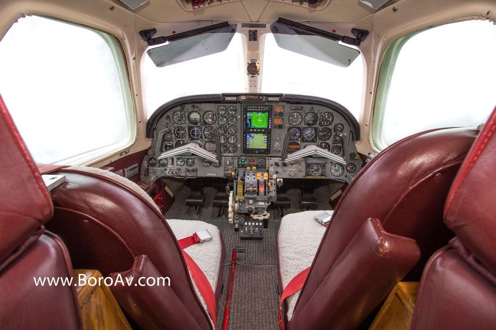 Murfreesboro Aviation Installs the First IFD-550!